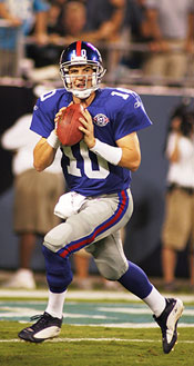 Eli-Giants-throwing